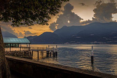 Bellano Sunset van