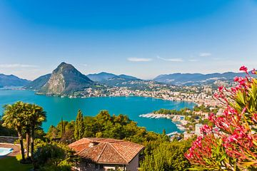 Lugano sur le lac de Lugano en Suisse sur Werner Dieterich