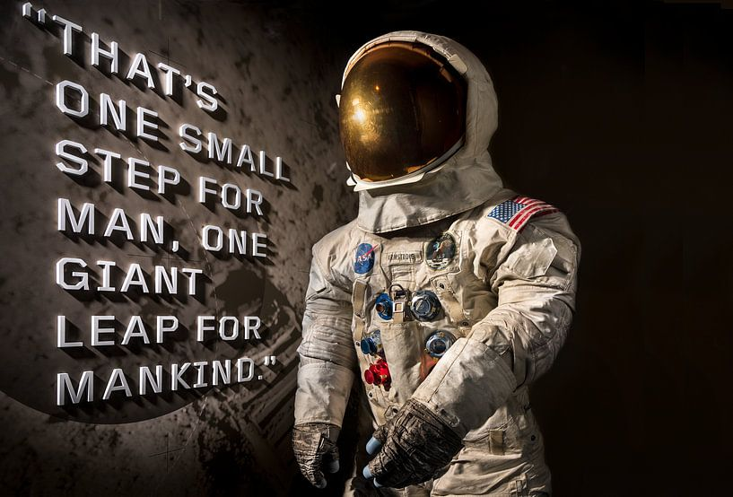 One small step for man  but one giant leap for mankind. van Brian Morgan