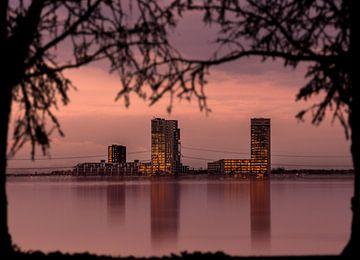 De stad aan het water von Michel Veenstra