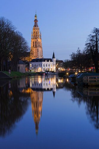 Breda Spanjaardsgat op heldere winteravond van