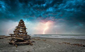 Bouwwerk op het strand, Nieuw Zeeland van Rietje Bulthuis
