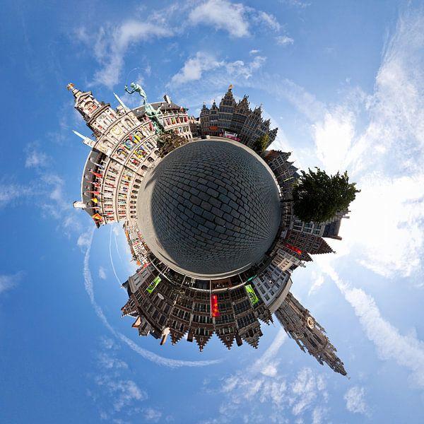 Planet Grote Markt Antwerpen van Frenk Volt