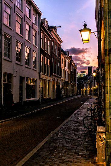 De Haverstraat in Utrecht bij het vallen van de avond