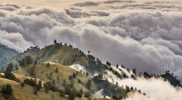 Mount Rinjani Cloudscape von Peter Postmus