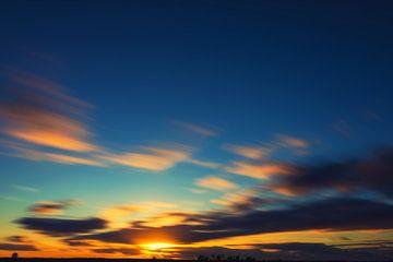 Rennende wolken van Casper De Graaf