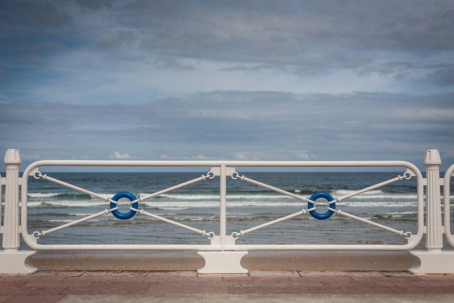 Symmetrie aan de kust van Evelien Buynsters