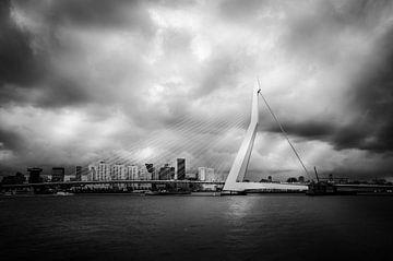 Erasmusbrücke Rotterdam von Ed van der Hilst