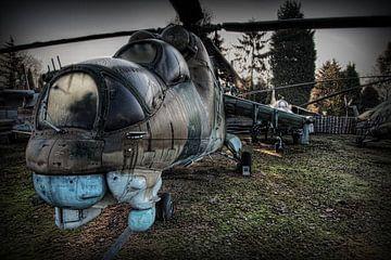 MIL MI-24 HIND gevechtshelikopter 1 van Eus Driessen