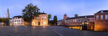 Panorama Kasteelplein Breda van