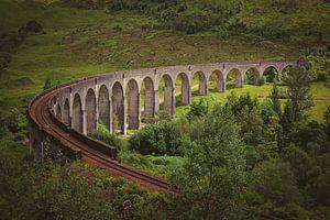 Lichtspel bij Glenfinnanviaduct in Schotland van Arja Schrijver Fotografie