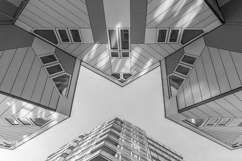De Kubuswoningen in Rotterdam in zwart/wit