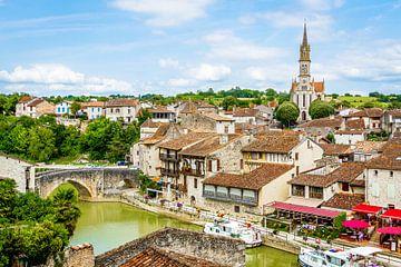 Stadsgezicht rond groen gekleurde rivier von Peters Foto Nieuws l Beelderiseren