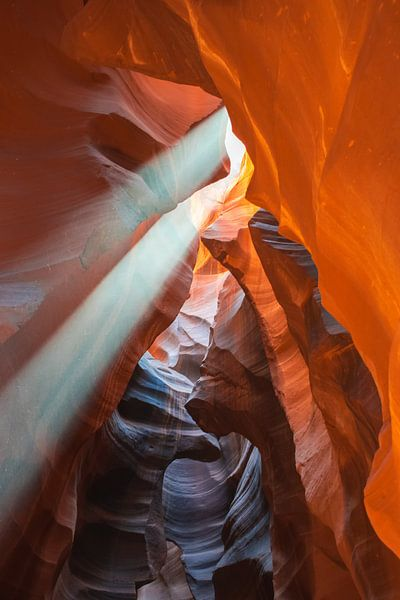 Spectaculaire lichtinval in Antelope Canyon, Arizona van Rietje Bulthuis