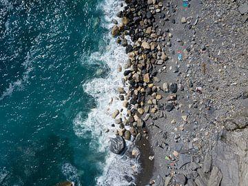 Rocky beach von Droning Dutchman
