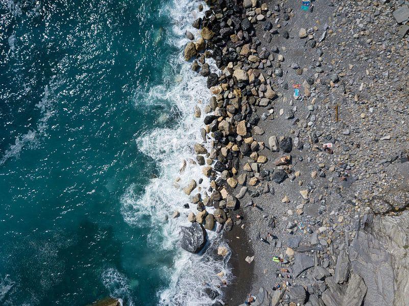 Rocky beach van Droning Dutchman