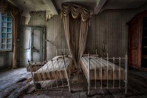 Zwei Betten in einer Burg