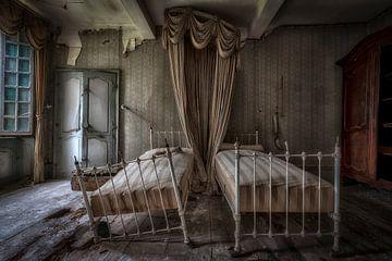 Twee bedden in kasteel van Kelly van den Brande