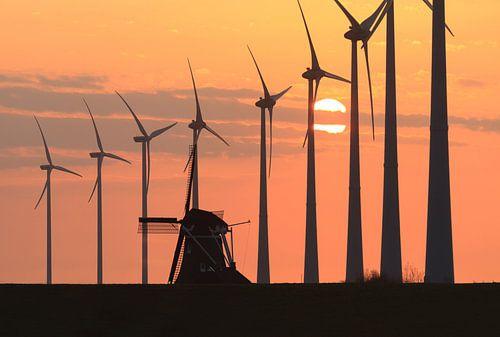 Windmill sunset van Sander van der Werf