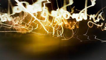 Chaotic chandeliers van Klaas Leussink