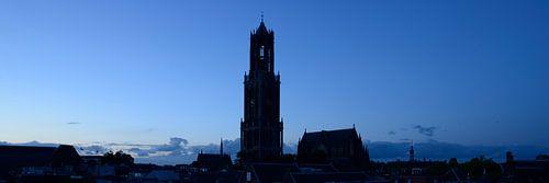 Stadsgezicht met Domtoren en Domkerk in Utrecht von Donker Utrecht