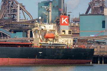 Schiffe im Hafen von IJmuiden von scheepskijkerhavenfotografie