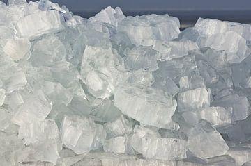 Kruiend ijs van Johan Kalthof