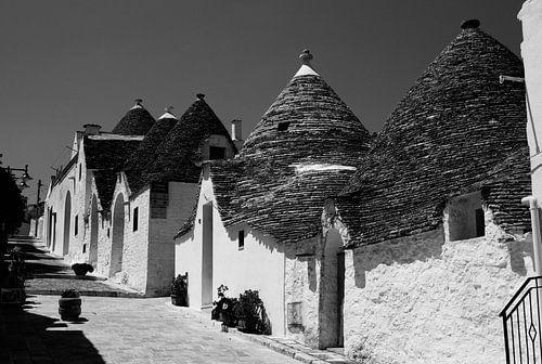 Alberobello in zwart wit van