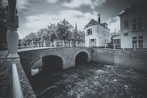Zwart wit foto van de middeleeuwse stad Kampen