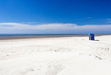 Strandkorb auf Föhr von Angelika Stern