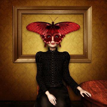 Schmetterlingsfrau vor Bilderrahmen von Britta Glodde