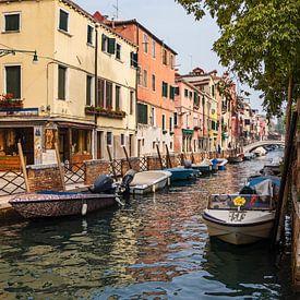 Bâtiments historiques dans la vieille ville de Venise sur Rico Ködder
