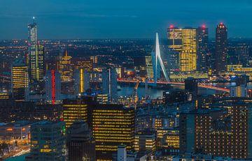 Als de avond valt in Rotterdam van