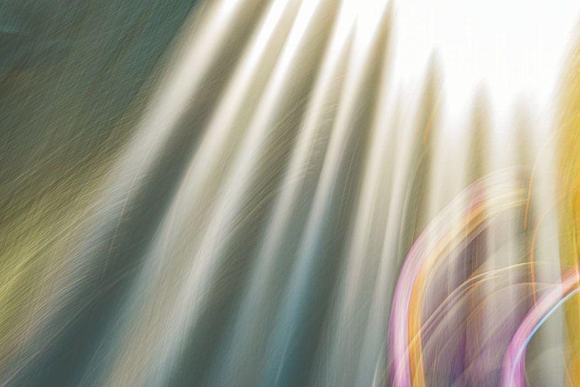 Sonnenstrahlen und lila von Jan Peter Jansen