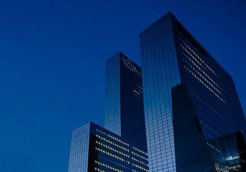 Delftse Poort / Nationale Nederlanden - heure bleue sur Willem van den Berge
