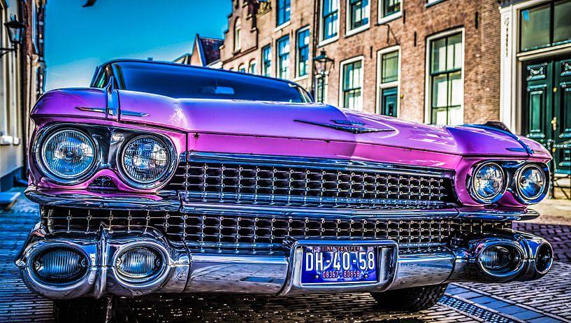 Roze Cadillac 1959 van Tonny Visser-Vink