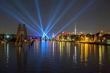 Lichtshow im Berliner Osthafen