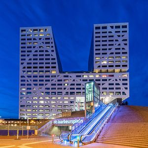 Stadskantoor, Utrecht in het blauwe uur van