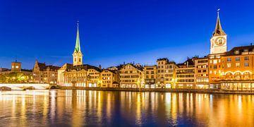Altstadt von Zürich bei Nacht von Werner Dieterich