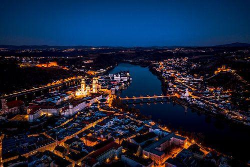 Passau am Abend mit Dom und Donau bei Nacht