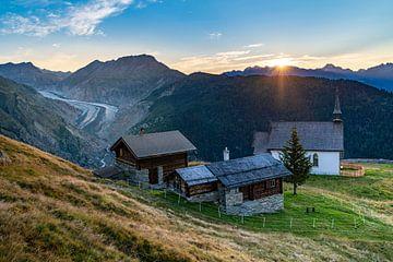 Sonnenaufgang über dem Aletschgletscher von Martijn Joosse