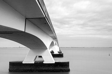 Uferdamm-Brücke von René Wolters