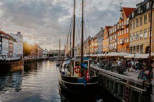 Zonsondergang Nyhavn Kopenhagen Denemarken van Jessie Jansen