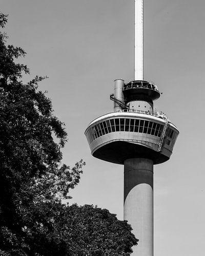 Euromast Rotterdam in zwart-wit