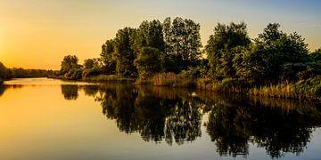 Zonsopkomst over het kanaal - II von Richard Guijt Photography