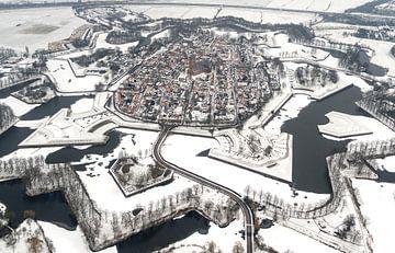 Luchtfoto Naarden Vesting in de winter van aerovista luchtfotografie