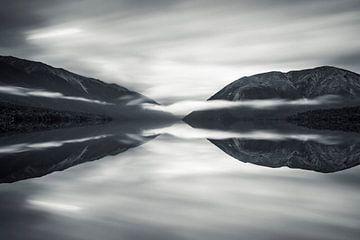 Nebel über Lake Rotoiti, Nelson Lakes National Park; Neuseeland von Markus Lange