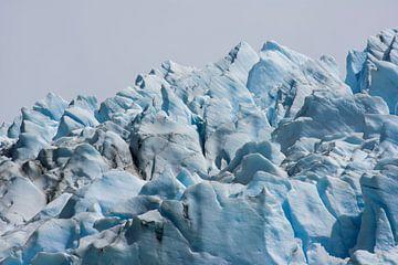 De ijspieken van de Spegazinni Gletser in El Calafate van Bianca Fortuin