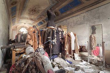 Mode in einem verlassenen Gebäude von Kristof Ven