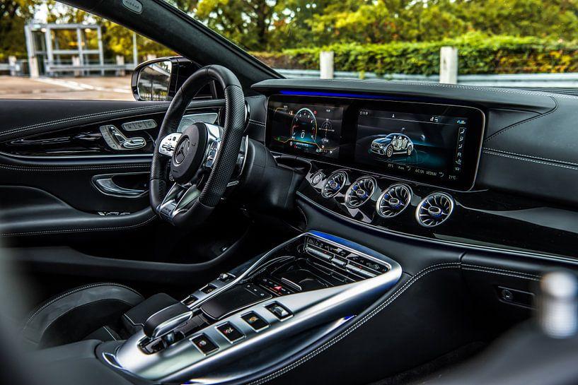 Cockpit van de nieuwe Mercedes-Benz AMG GT 63 van Bas Fransen